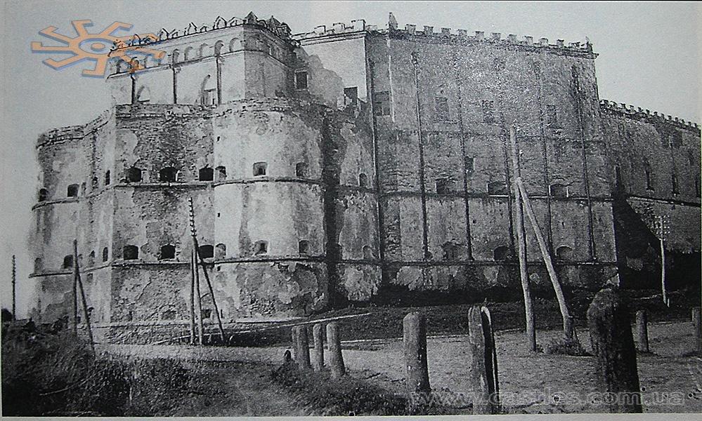 Меджибіж. Фортеця у 1930 р. Фото П.Жолтовського. З книги